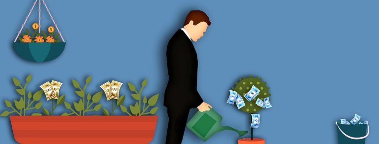 Penser à bien gérer son argent lorsqu'on vit seul.